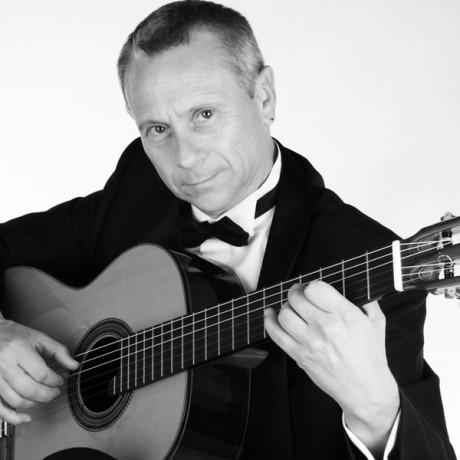 Eduardo-Pascual_Guitarras-Alhambra-2013-(2)