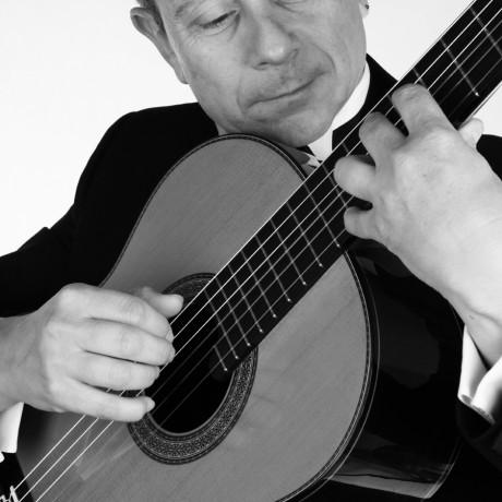 Eduardo-Pascual_Guitarras-Alhambra-2013-(3)